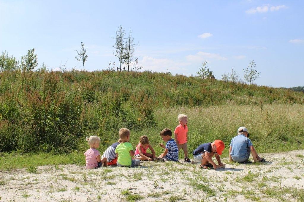 Kinderen in zand